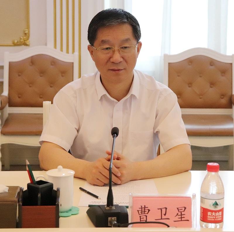 我是不是傻囹�a_2019年7月31日 来源:中国民主同盟网 作者: 点击:148